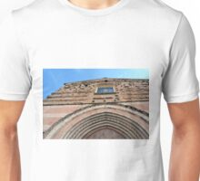 Building facade from Foligno with arches and brick decoration. Unisex T-Shirt