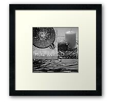 FROHE WEIHNACHT Framed Print