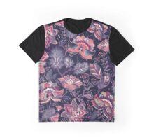 Elegantes pinkes Blumen Muster mit blauem Hintergrund Graphic T-Shirt