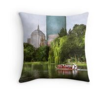 City - Boston Ma - Boston public garden Throw Pillow