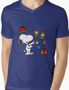 Snoopy christmas gifts Mens V-Neck T-Shirt