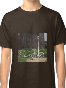 Vintage bicycle/ Bicicleta vintage Classic T-Shirt