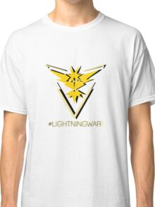 Team Instinct - #lightningwar Classic T-Shirt
