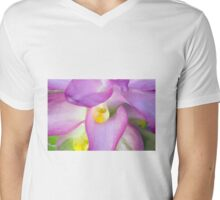 Cape York Lily Bloom Splendour Mens V-Neck T-Shirt