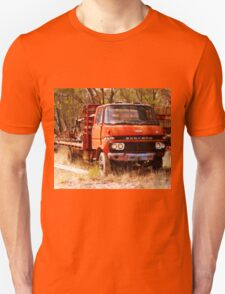 old rusty small truck Unisex T-Shirt