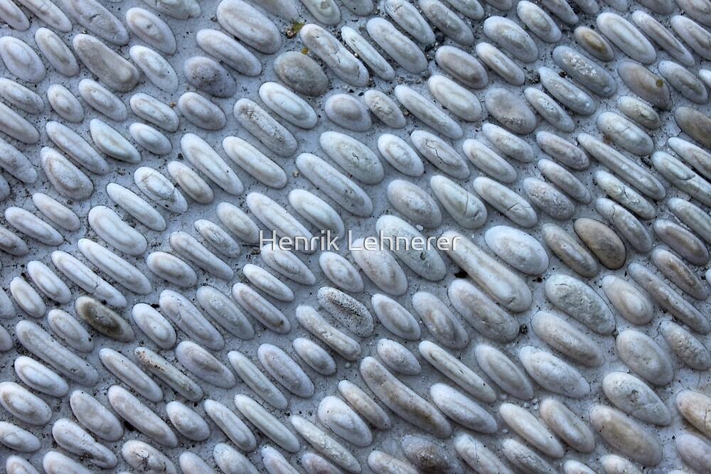 Pebbles Stone Wall by Henrik Lehnerer