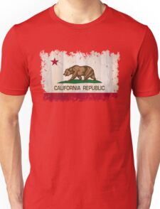 California Republic state flag - distressed edges on spruce planks Unisex T-Shirt