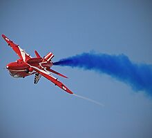 Red Arrow Singleton - Farnborough 2014 by Colin J Williams Photography