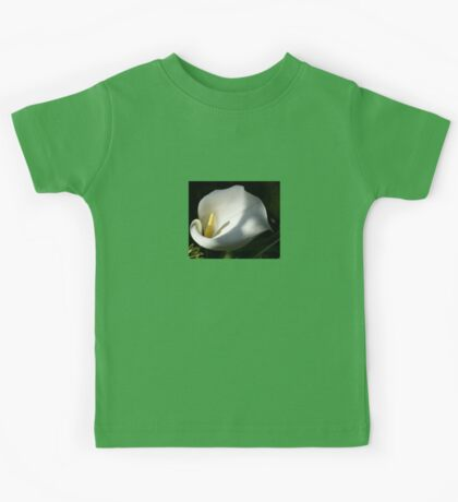 White Calla Lilies Over Black Background In Soft Focus Kids Tee