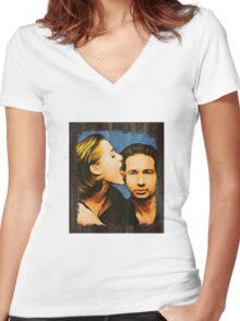 Gillian licks David's face Women's Fitted V-Neck T-Shirt