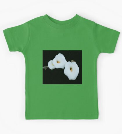 Three Calla Lilies Isolated On A Black Background Kids Tee