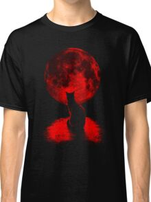 Cat in red moon Classic T-Shirt