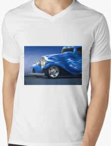 1932 Ford 'Little Blue' Coupe II Mens V-Neck T-Shirt