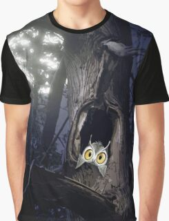 Cute baby owl in tree hole at night art photo print Graphic T-Shirt