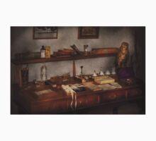 Doctor - Vet - The desk of a Veterinarian Baby Tee