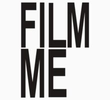 Film Me - I'm Famous T-Shirt by deanworld