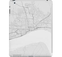 Hull, England Map. (Black on white) iPad Case/Skin