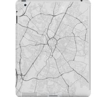 Leicester, England Map. (Black on white) iPad Case/Skin