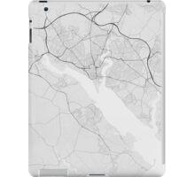 Southampton, England Map. (Black on white) iPad Case/Skin