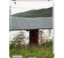 Abandoned Barn, Inishowen Peninsular, Donegal, Ireland iPad Case/Skin