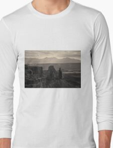 Canyonlands NP III Toned Long Sleeve T-Shirt