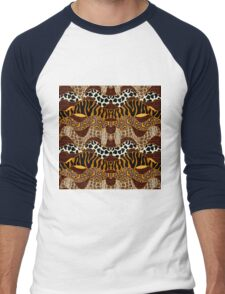 Seamless wavy vector pattern with animal prints.  Men's Baseball ¾ T-Shirt