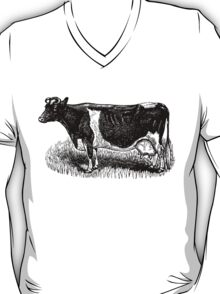 Vintage Cow on grass.  Woodcut Style T-Shirt
