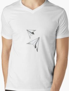 Two paper airplanes flying, flying... Mens V-Neck T-Shirt