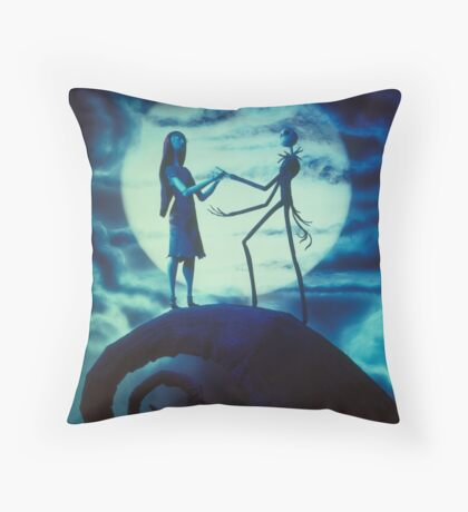 The nigtmare before christmas Throw Pillow