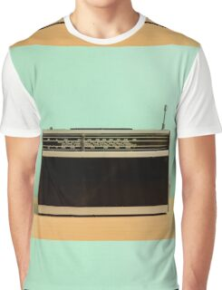 Old Fashioned Retro Wireless Transistor Radio Graphic T-Shirt