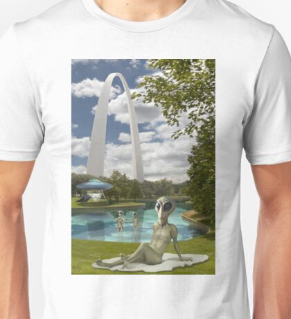 Alien Vacation - St. Louis Unisex T-Shirt