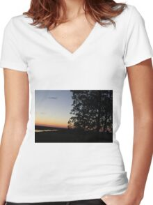 Sunset And A Tree Women's Fitted V-Neck T-Shirt