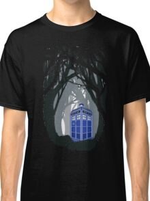 Space And Time traveller Box lost in the woods Classic T-Shirt