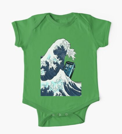 Space And Time traveller Box Vs The great wave One Piece - Short Sleeve