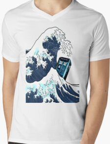 Space And Time traveller Box Vs The great wave Mens V-Neck T-Shirt