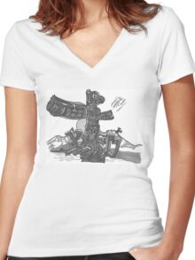 TOTEM PRINT Women's Fitted V-Neck T-Shirt