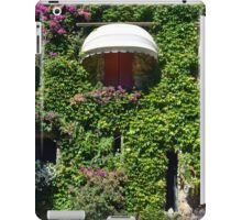 Building facade covered in vegetation iPad Case/Skin