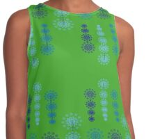 Fairy lights on green background Contrast Tank