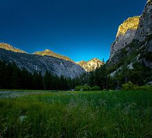 Sun Rises Over Beautiful Mountain in King's Canyon  by Gavin Heffernan