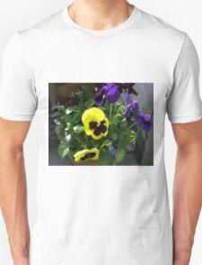Pansy Flower Portrait   Unisex T-Shirt