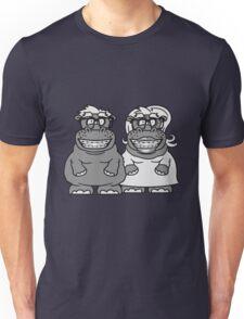 paar liebe verliebt pärchen frau weibchen girl mädchen nerd geek schlau hornbrille freak dumm zahnspange lustiges süßes dickes nilpferd fett hippo  Unisex T-Shirt