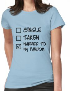Status: Married to my fandom Womens Fitted T-Shirt