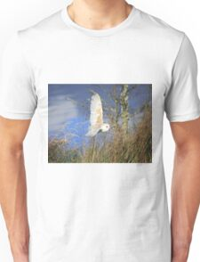 Barn Owl, also known as Common Barn Owl in flight Unisex T-Shirt