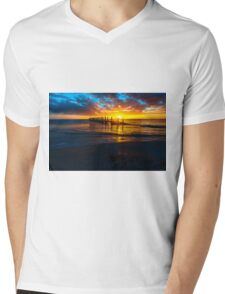 Quindalup Jetty Mens V-Neck T-Shirt