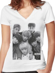 NCT DREAM group poster Women's Fitted V-Neck T-Shirt
