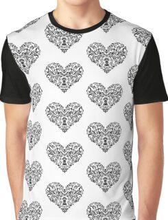 Love hurts Graphic T-Shirt