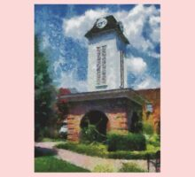 Clock Tower on the Square in Downtown Franklin Kids Tee