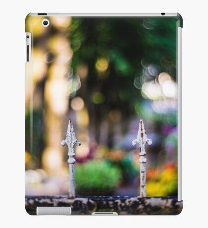 Spikes iPad Case/Skin
