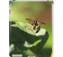 Nomad bee iPad Case/Skin
