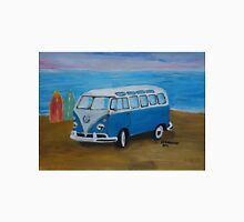 The Vw blue Volkswagen Bulli surfbus  Unisex T-Shirt